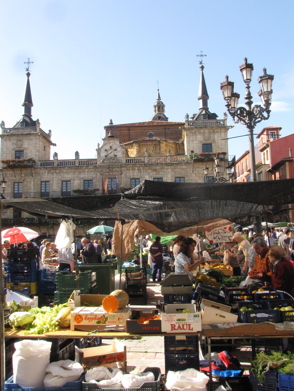 Mercado-Plaza-Mayor-españa-león