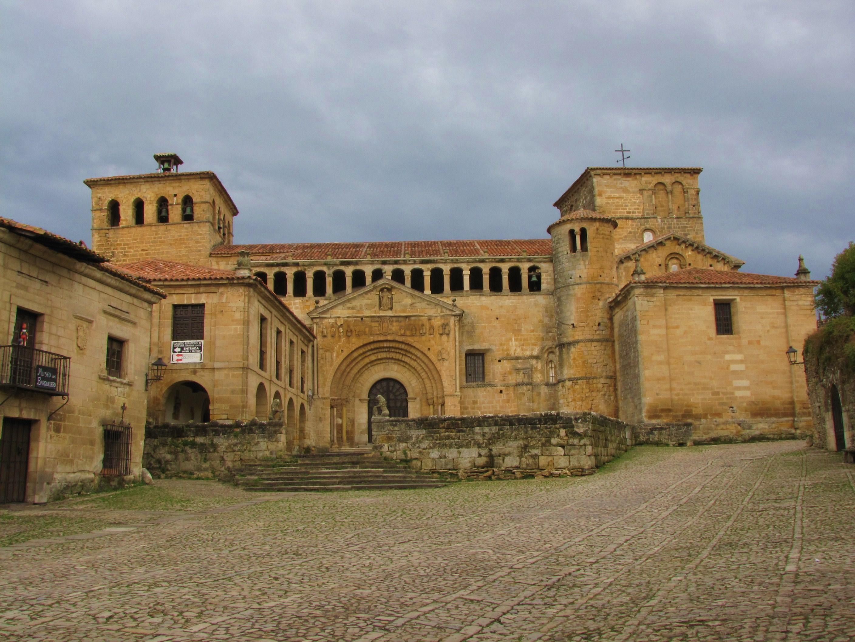 -Exterior Colegiata, Santillana del Mar-