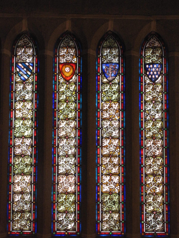 -Vidrieras desde el interior del Palacio Episcopal-
