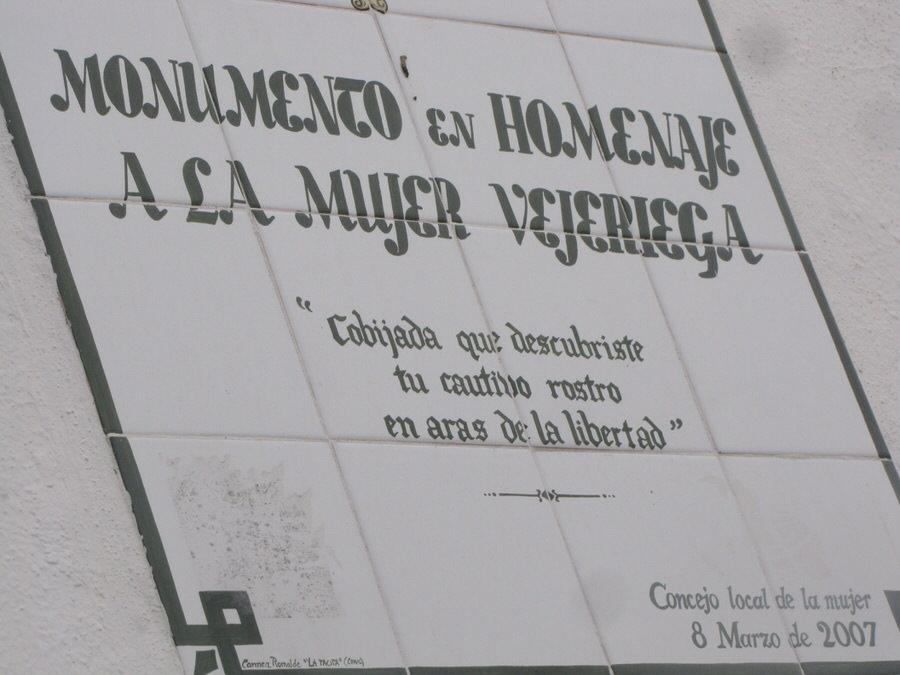-Placa junto al mirador de La Cobijada.Vejer de la frontera-