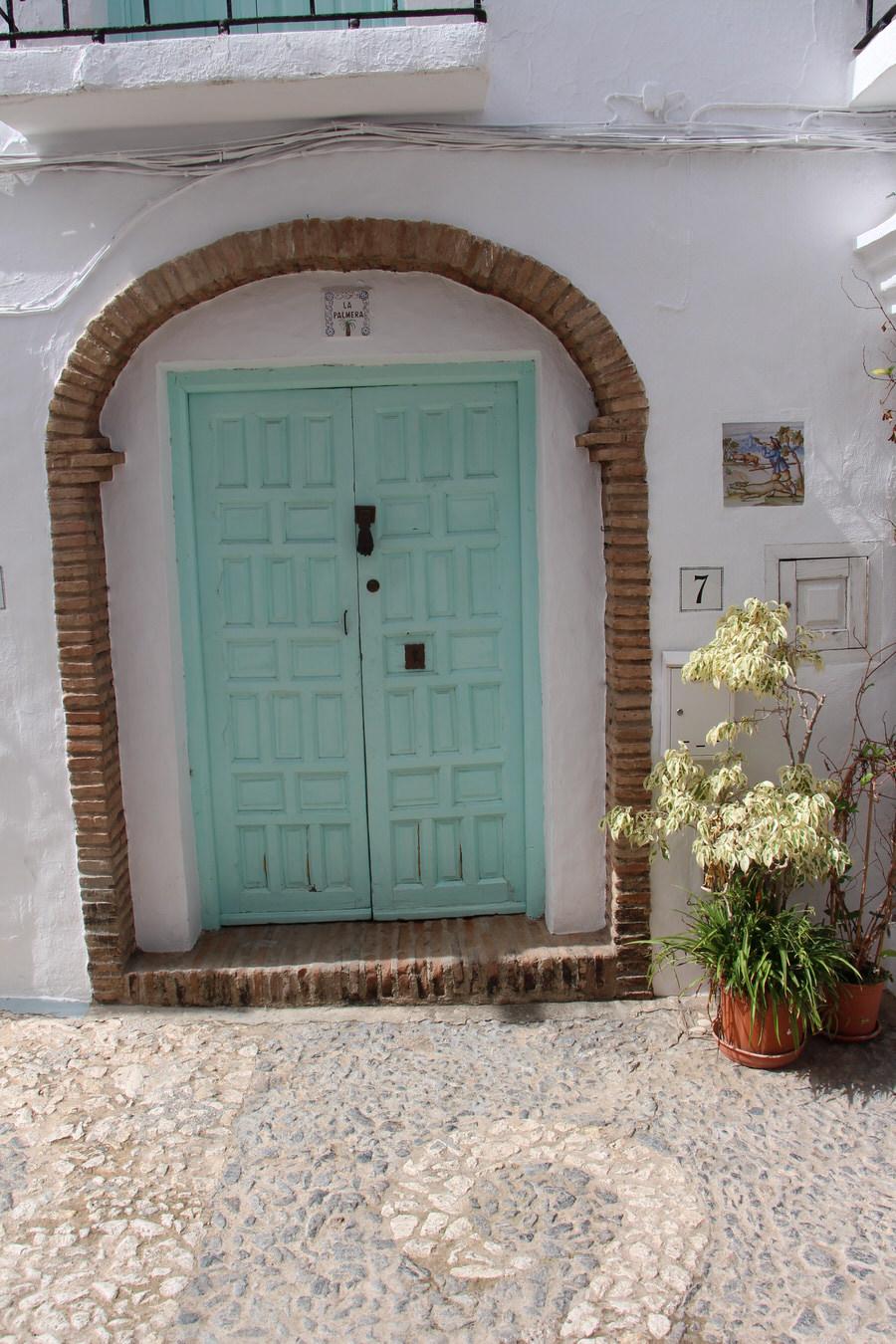 -Puertas, Frigiliana-