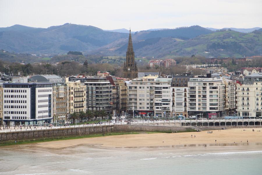 -Vistas de la ciudad desde el monte Urgull-