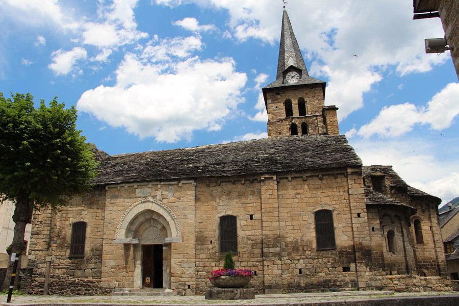 Puerta Principal Iglesia de la Asunción de María de Bossost