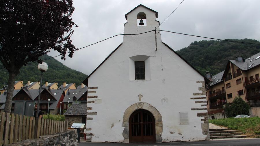 Otra de las ermitas a la salida del pueblo, Bossots