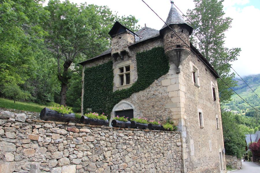 Casa Có de Brastet, Unha