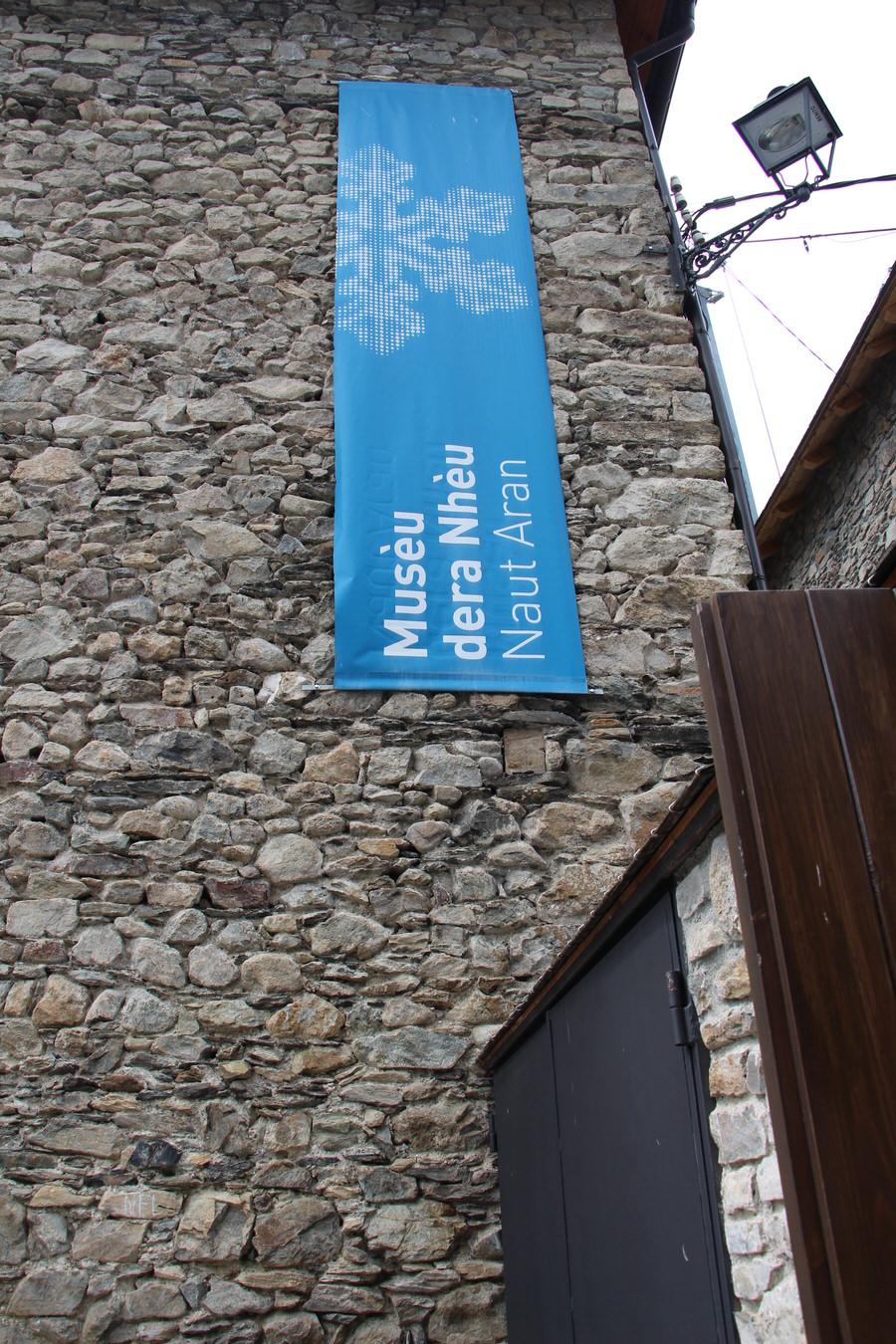 Entrada museo de la nieve,Unha