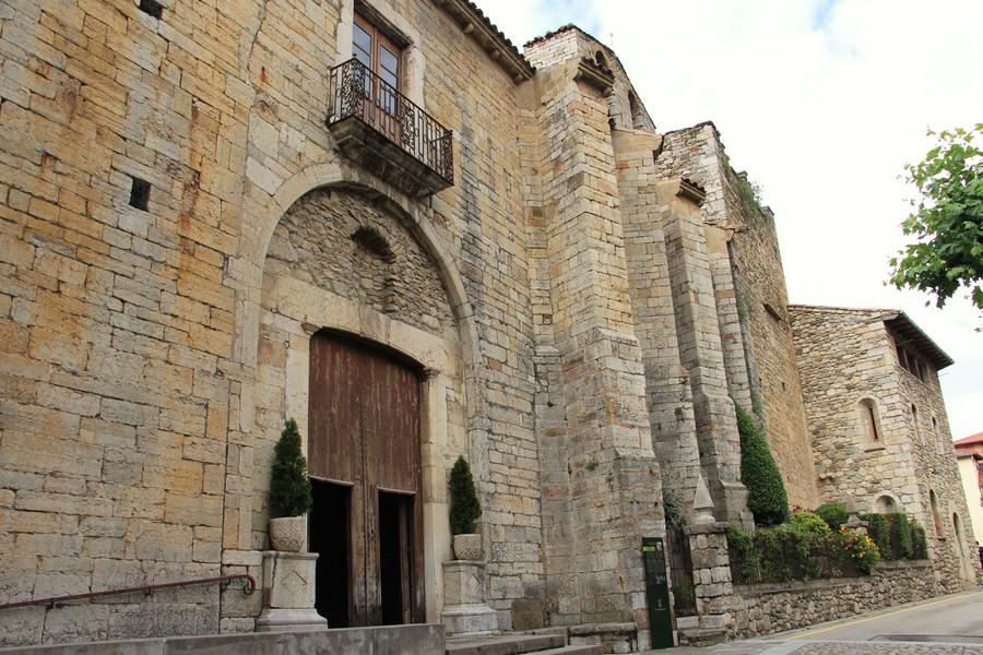 -Iglesia de Santa María de Camprodon-