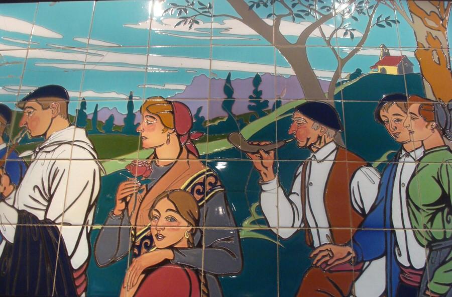 -Azulejo de lugareños en Casa Victor Montes, Plaza Nueva de Bibao-