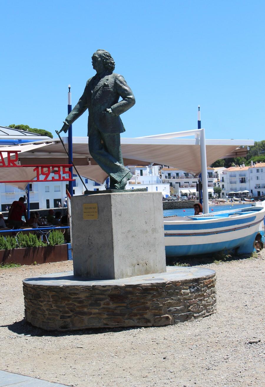 Estatua de Salvador Dalí