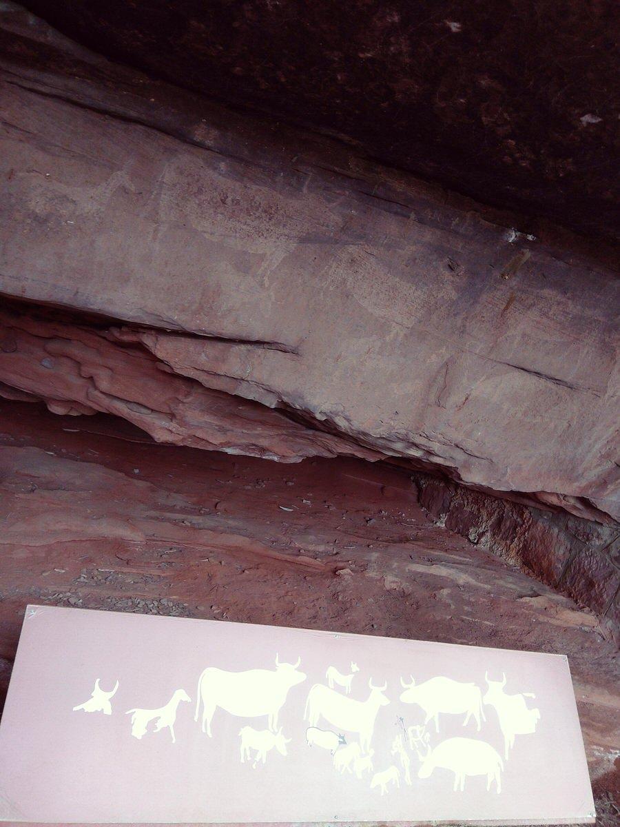 Una de las muchas pinturas rupestres que encontramos en el sendero, Albarracín-