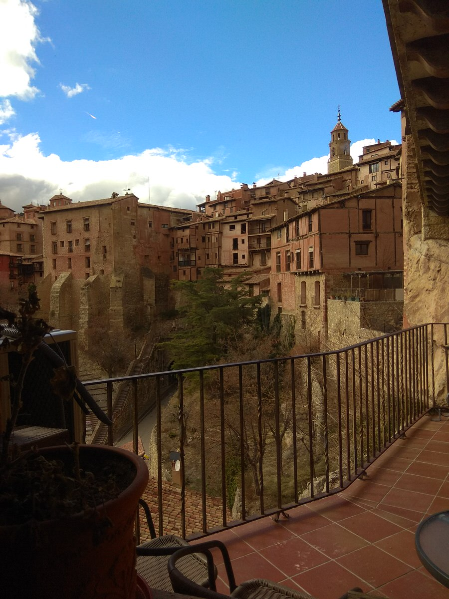 """-Vistas desde el Hotel Albarracín """"Casa de la Brigadiera""""-"""
