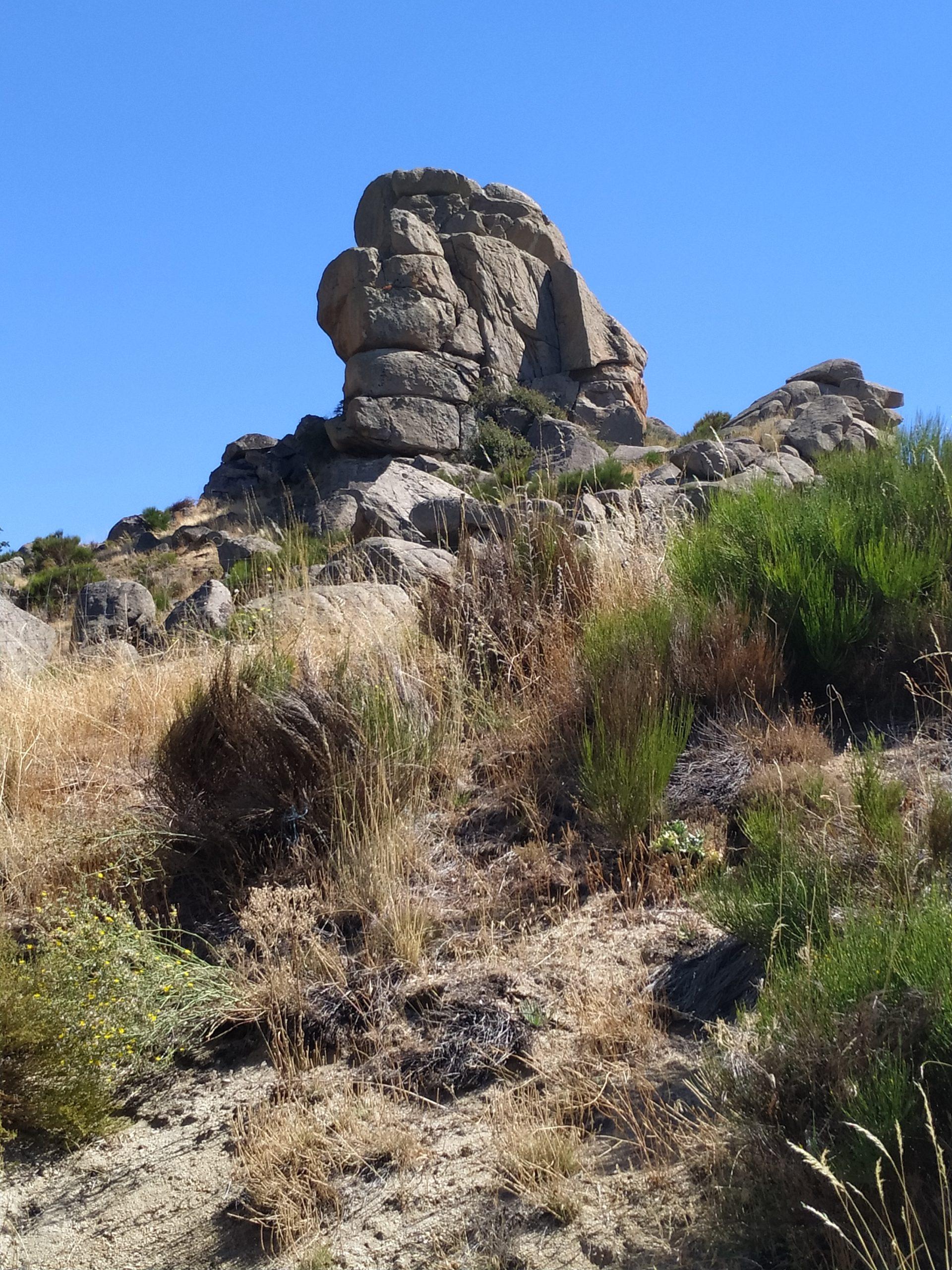 Formaciones rocosas, La Hija de Dios -Ávila-