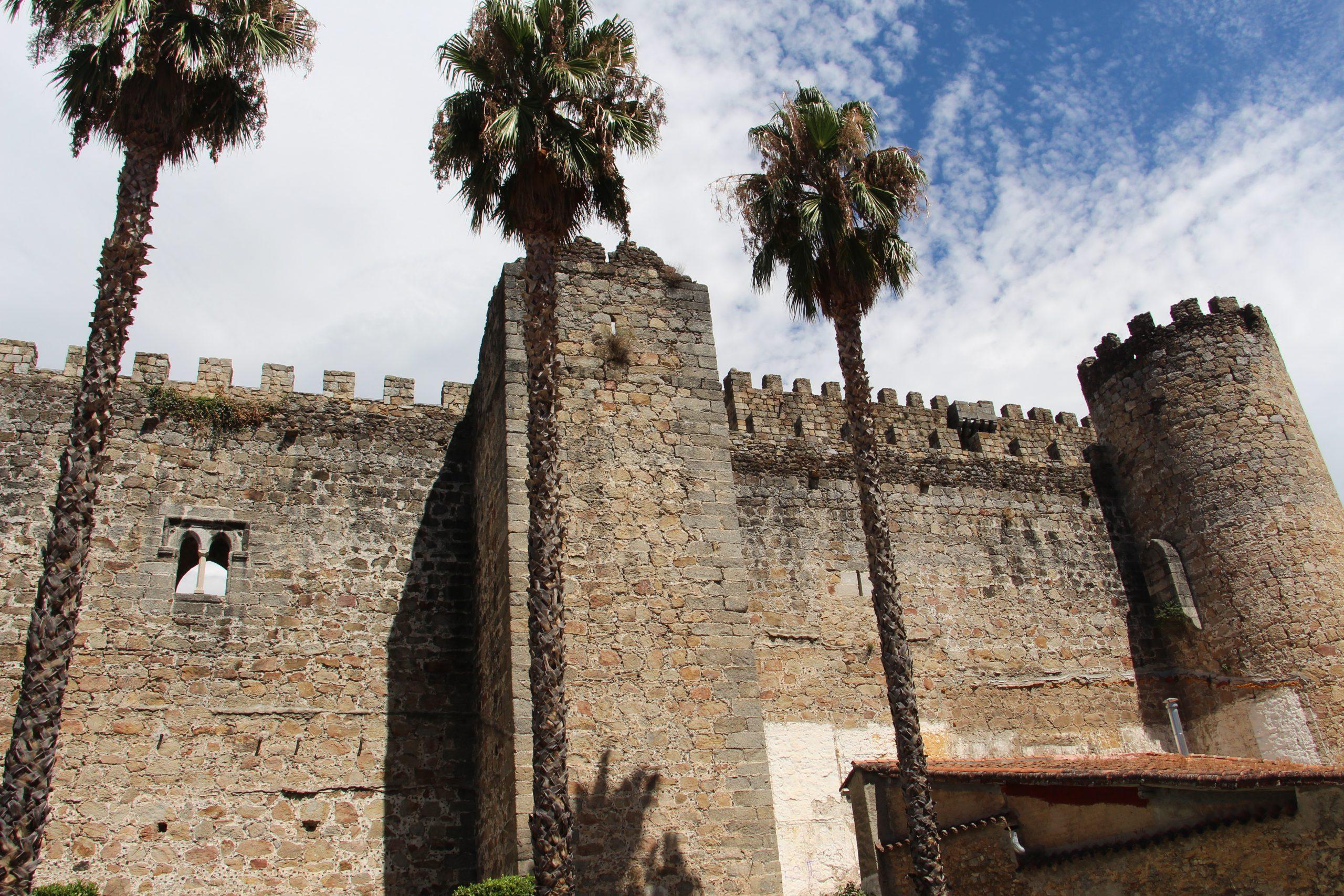 -Castillo de Arenas de Cabrales, Ávila-