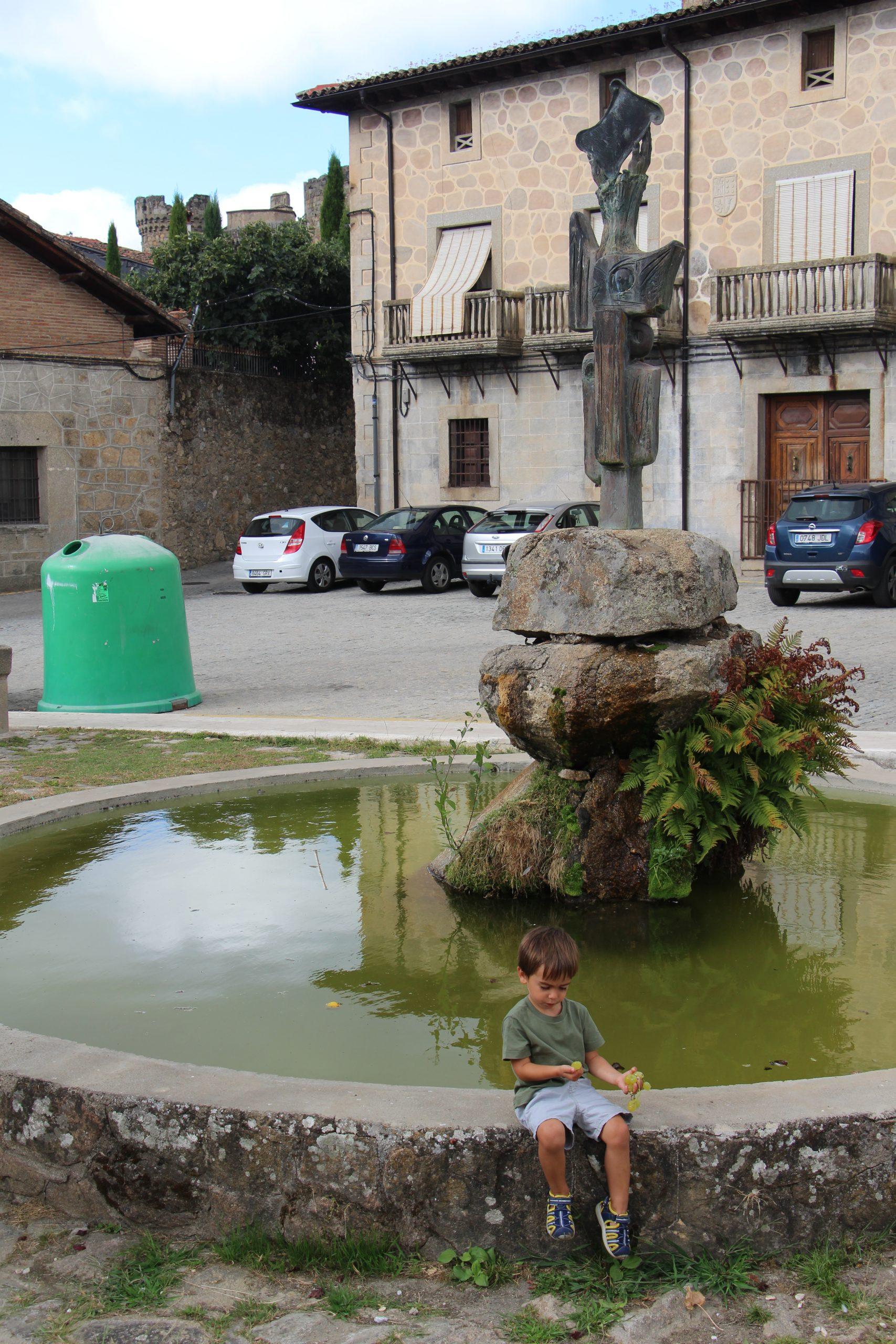 -Plaza de la Corredera, Mombeltrán-