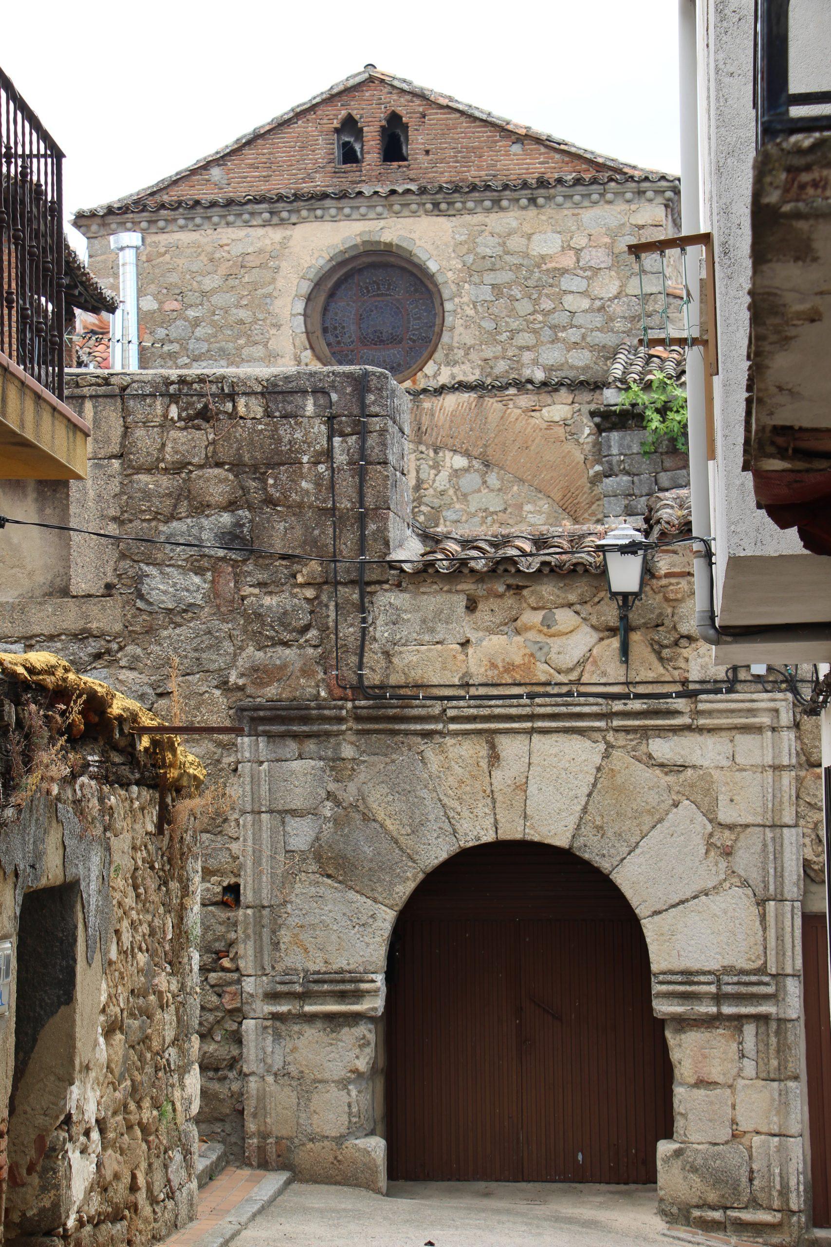 -Iglesia de San Juan Bautista, Mombeltrán-