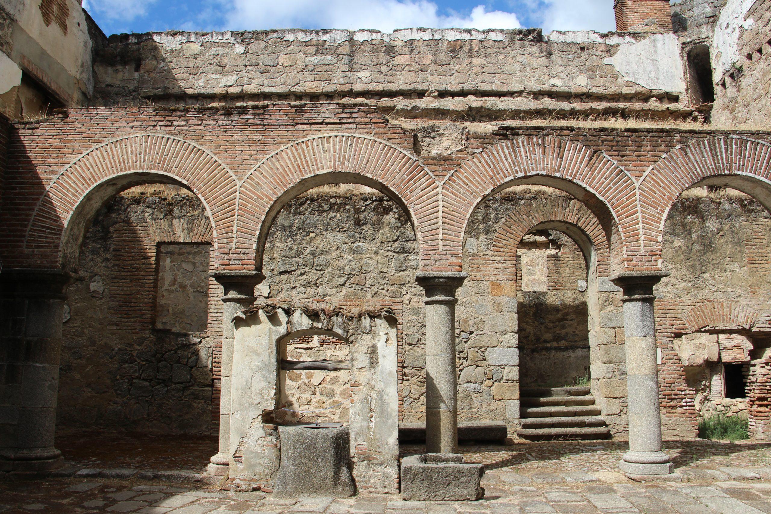 -Interior Castillo de Mombeltrán-