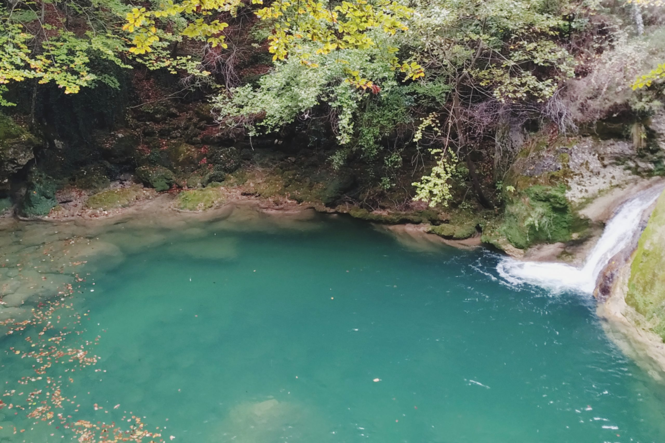 Aguas-turquesas-río-Urredera